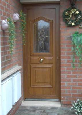 porte d'entrée traditionnelle en bois