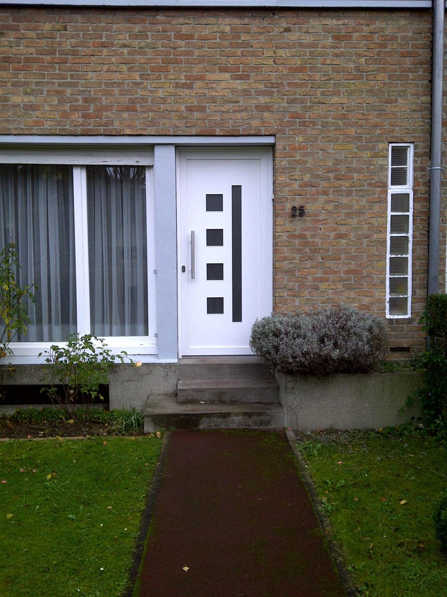 porte avec ouvertures carre et rectangle