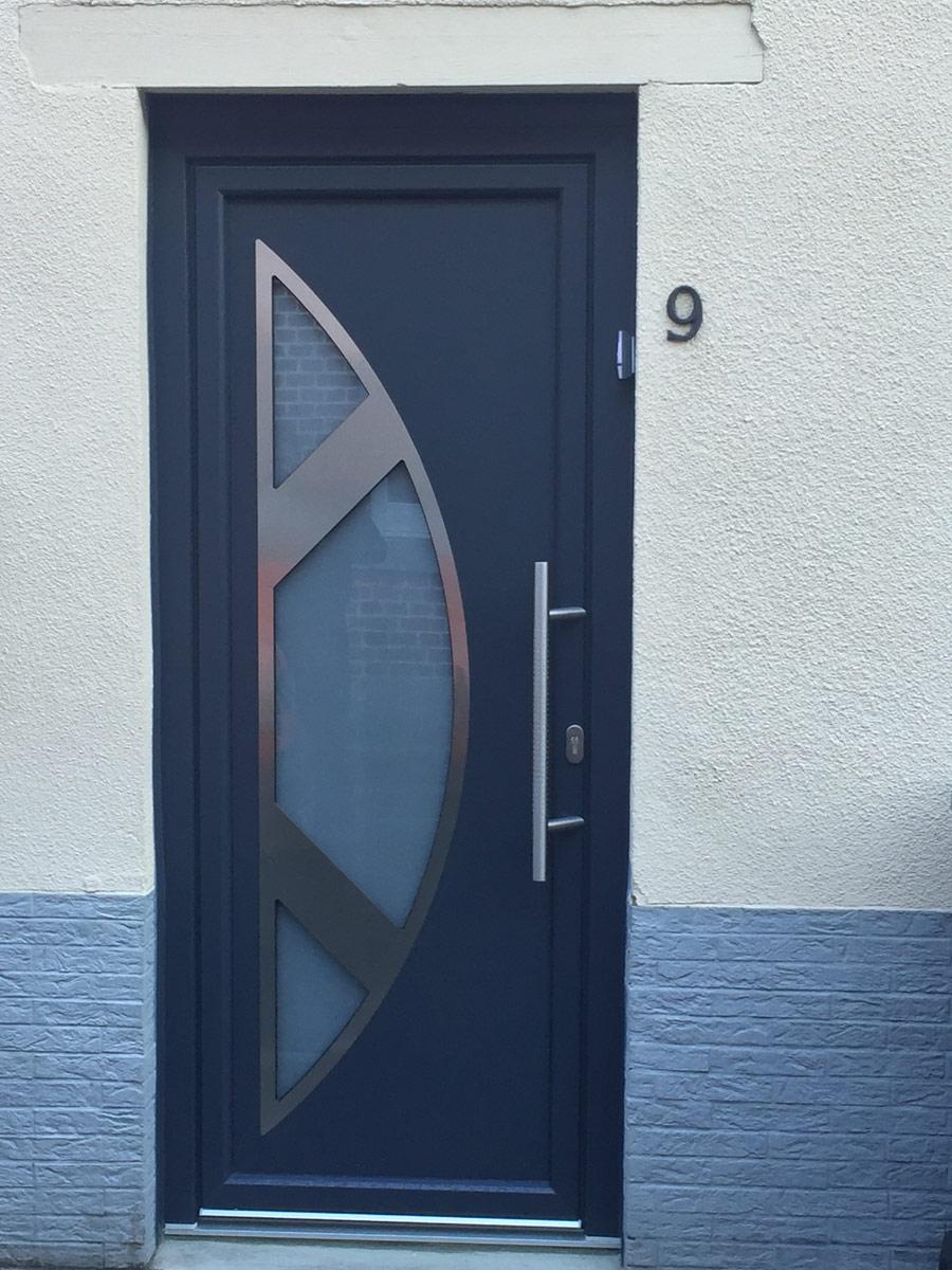 porte bleue solide