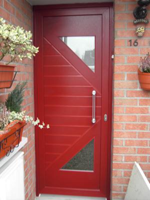 porte rouge orignal en rénovation pvc