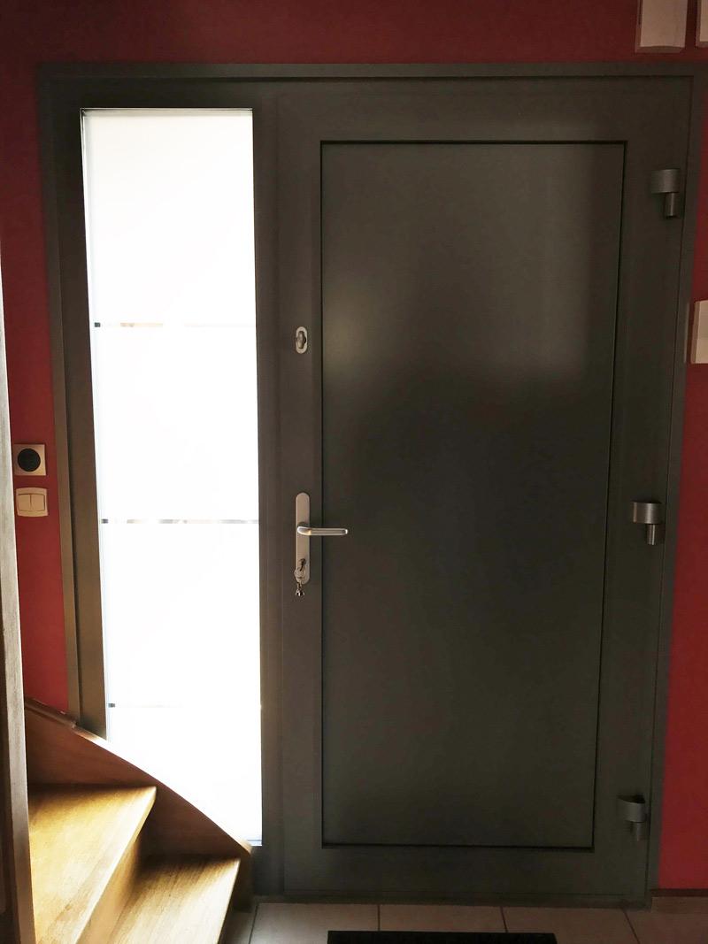 porte d'entree et escalier bois