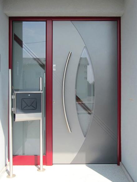 rénovation d'entrée contemporaine rouge
