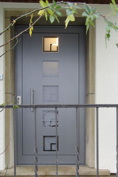 rénovation d'entrée grise contemporaine