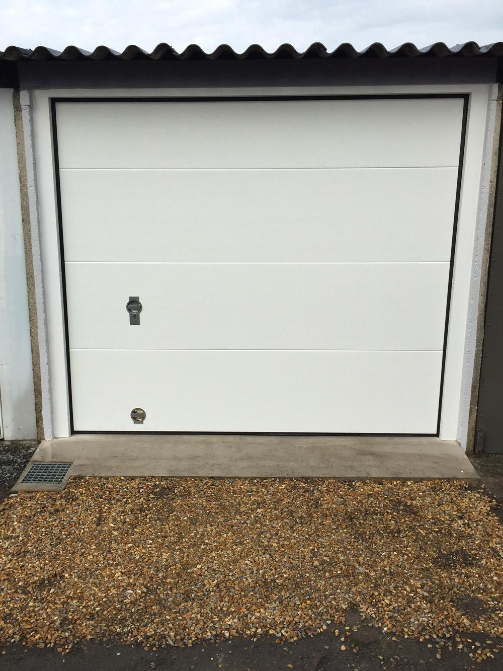 garage décoré en blanc