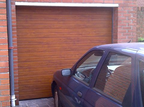 porte de garage maron