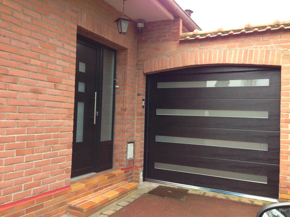 entree de maison et garage