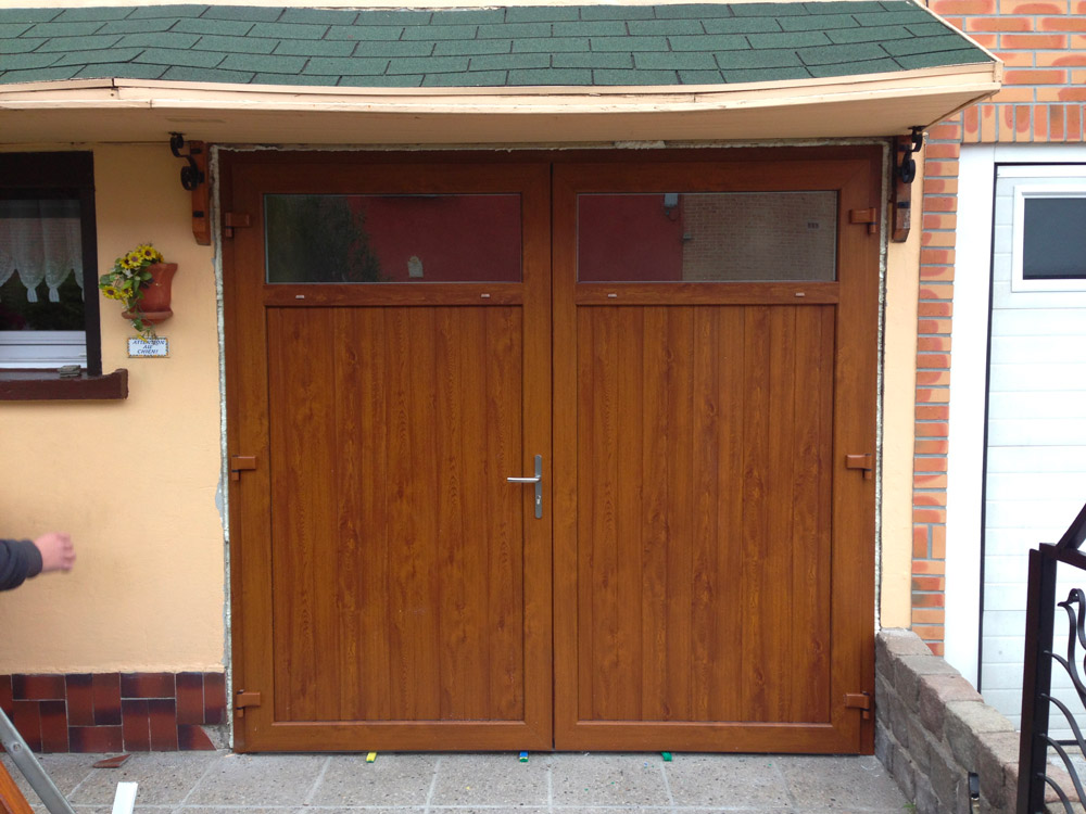 porte en bois massif (exterieur)