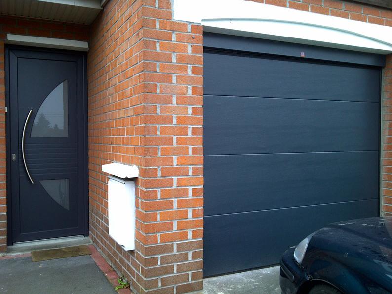 porte de garage bleu pvc