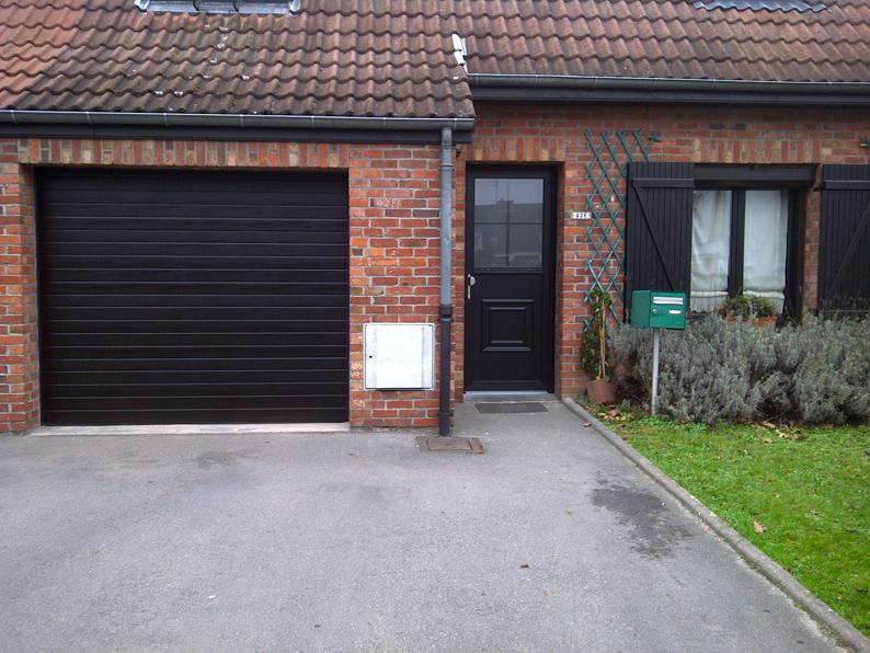 porte de garage noire bois