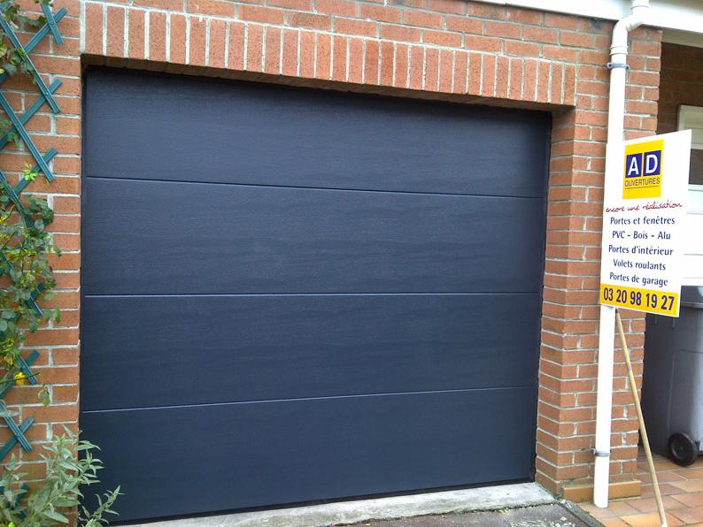 porte de garage pvc bleu