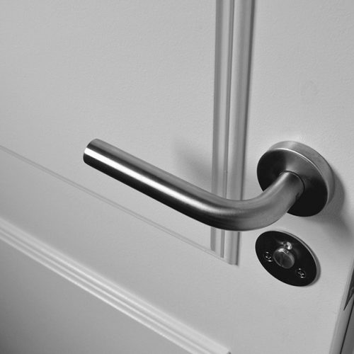 reparer les charnieres de portes